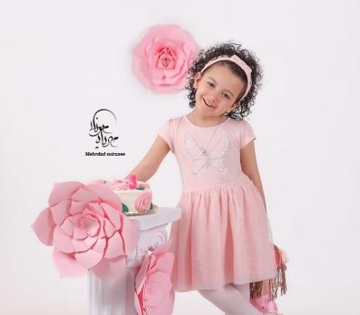 بهترین آتلیه کودک در کرج/ آتلیه کودک در کرج جهانشهر /ژست عکاسی با عروسک /عکس کودک /عکس آتلیه کودک /