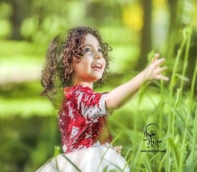 ژست عکس کودک در طبیعت/ ژست عکس کودک دختر