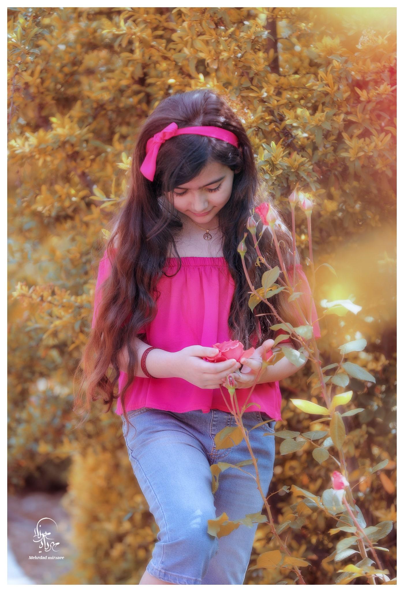 ژست عکس دخترانه در طبیعت / ژست کودک در طبیعت / ژست عکاسی در طبیعت/